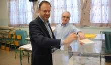 Στη Βέροια ψήφισε ο πρόεδρος της ΔΗΜΑΡ και Υπουργός Τουρισμού Θανάσης Θεοχαρόπουλος